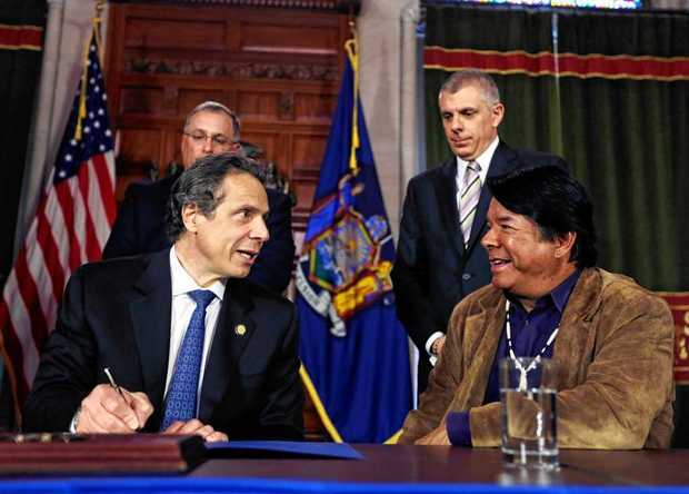 CUOMO PLAYS CASINO REFERENDUM HAND BEAUTIFULLY