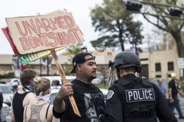EXCLUSIVE ALBUQUERQUE SENT OFFICERS WITH ABUSE CLAIMS TO ANTI-POLICE BRUTALITY MARCH