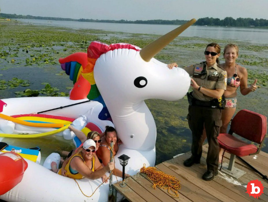 Minn. Police Rescue Women Stranded on Giant Unicorn Float