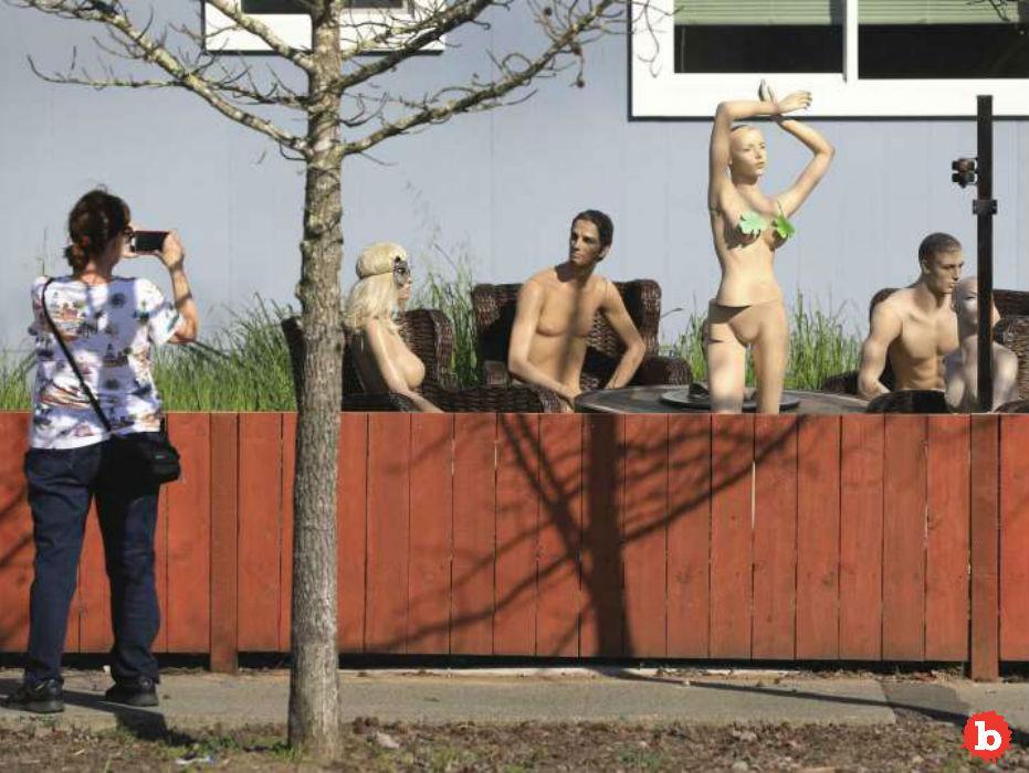 Neighbor Forced to Shorten Fence Revenge by Naked Mannequins