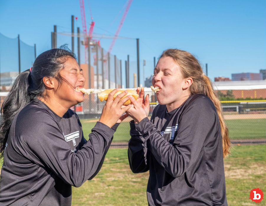 MIT Lady Students Break Guinness Record for Sausage Bun Toss