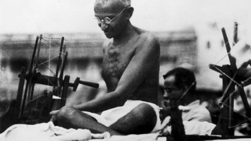 Vandals Deface Gandhi Photo, Steal Ashes on 150th Birthday