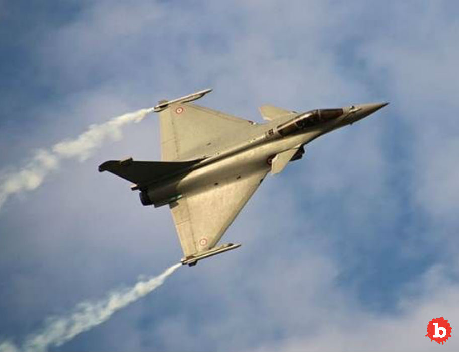 Oops, Fighter Jet Passenger Ejected by Accident in France