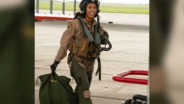 US Navy Finally Boasts First Black, Female Fighter Pilot Like, Ever