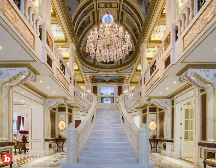 Schitt's Creek Mansion Now On Sale for a Paltry $15 Million