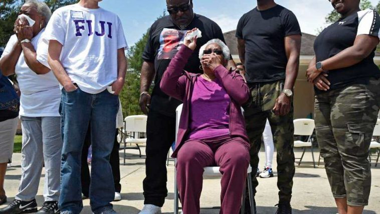 Frat House Brothers Pay Off Frat's Mother Cook's Mortgage in Retirement