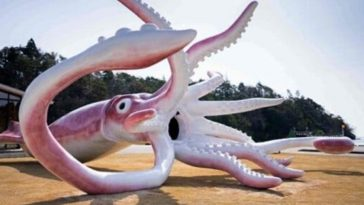 Noto, Japan, Spends $228 Grand on 43-Foot Long Pink Squid Statue